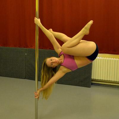 Pole dance: Tricks and combos: mírně pokročilí a výše