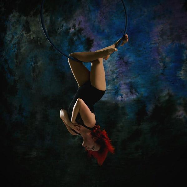 Aerial hoop: Tricks and combos: středně pokročilí a výše