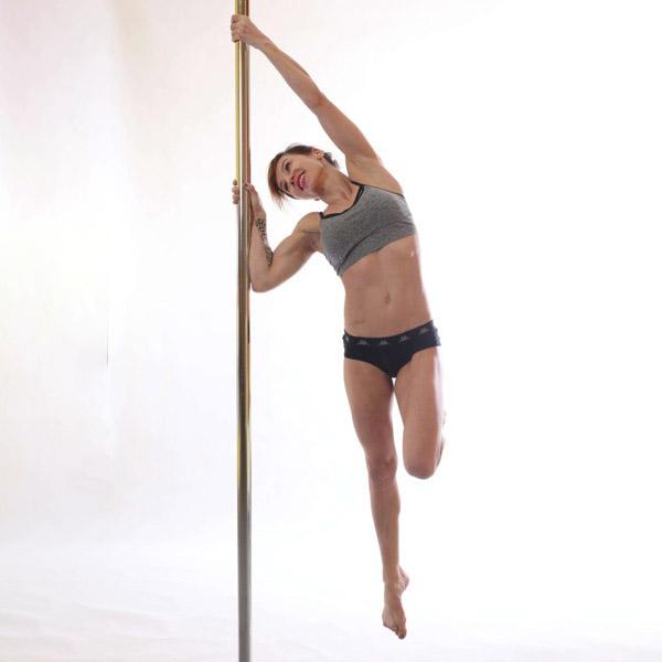 Pole dance: mírně pokročilí a výše