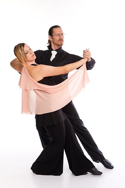 Párové společenské tance: Mírně pokročilí a výše