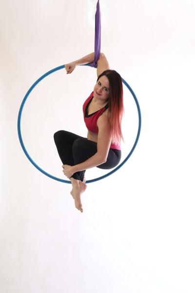 Aerial hoop: Tricks & choreo