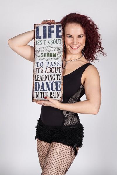 Flirt dance: Burlesque kabaret