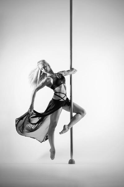 Pole dance: Tricks and combos: Pokročilí