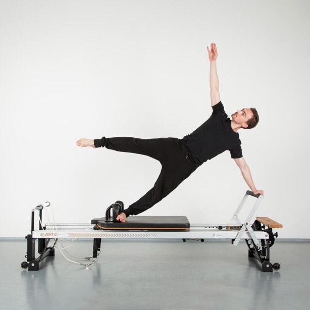 Pilates na strojích