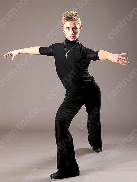 Vilém Matyáš obléká taneční boty a oblek!